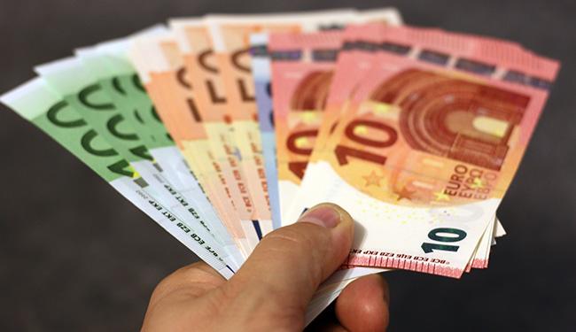 salaris uitbetalen door payrollbedrijf